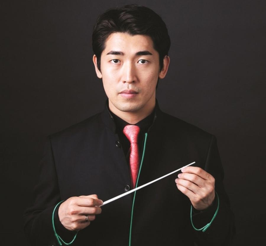 a closer view of the conductor keitaro harada sofia opera and ballet