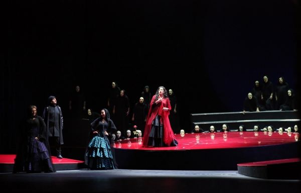 "www.jivotatdnes.bg – ""Carmen"" outside the clichés at the Sofia Opera"
