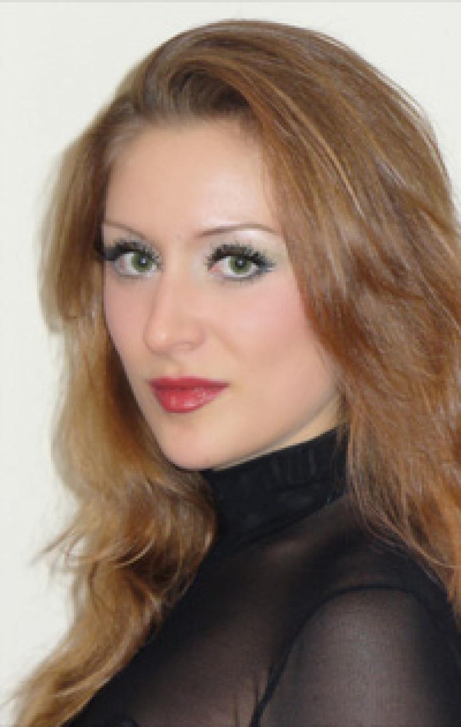 "Debut of the soprano Silvia Teneva as Liù from ""Turandot"""