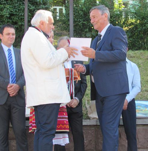 Пламен Карталов получи почетния знак на Белоградчик за принос към града