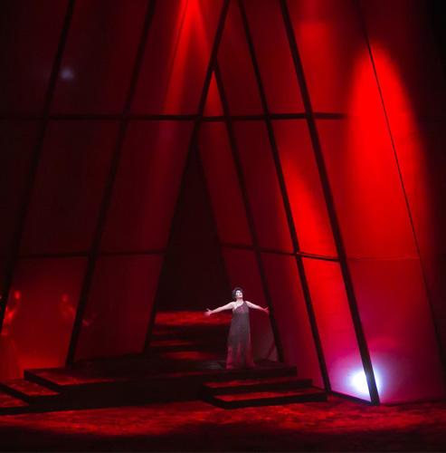 Изумителен театър, изумителни певци, изумителен оркестър!!!