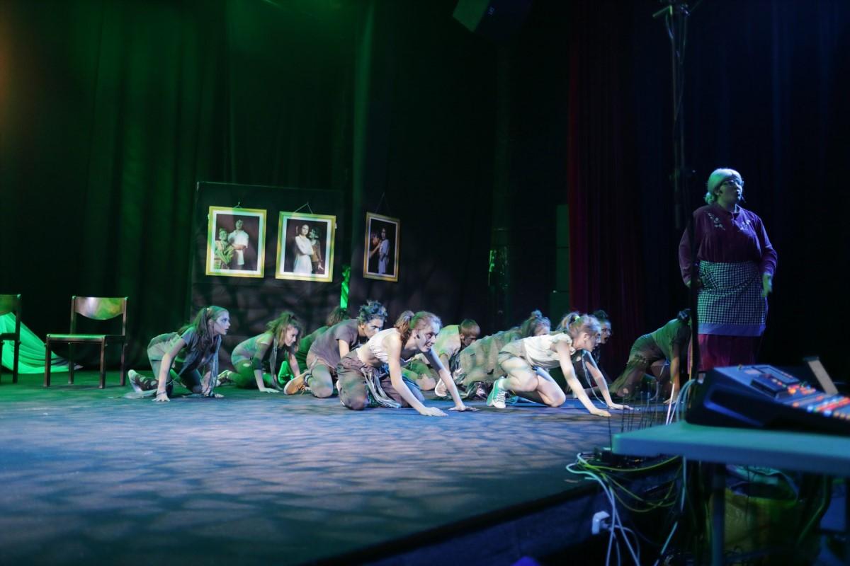 Снимка: ДЕНЯТ НА ПРОШКАТА  мюзикъл от Димитър Костанцалиев