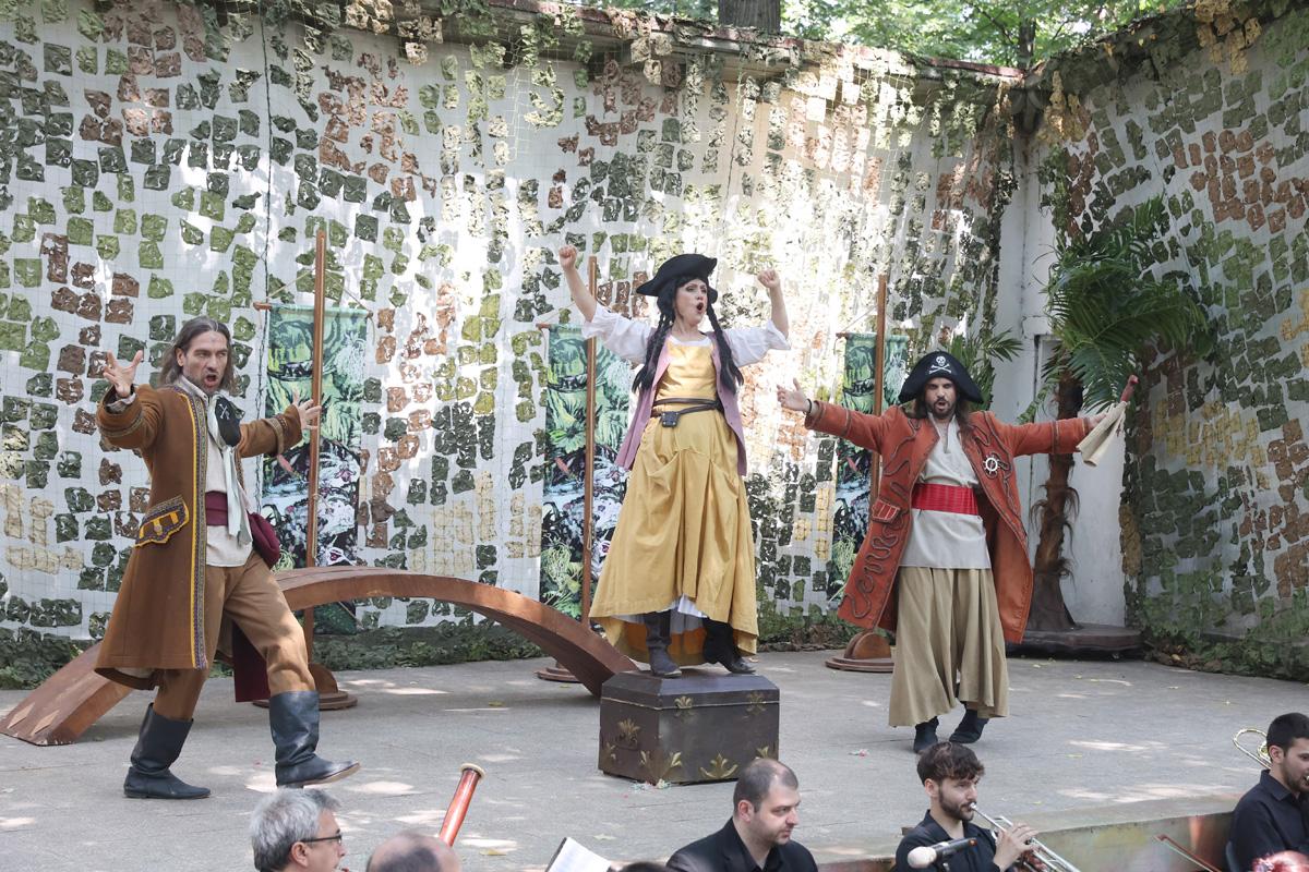 Снимка: Софийската опера чества 80-годишния юбилей на професор Георги Костов