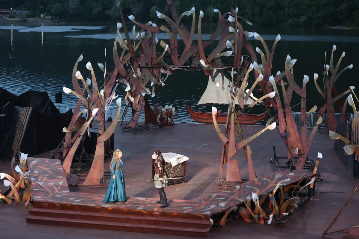 Photo: Жената от езерото / La donna del lago