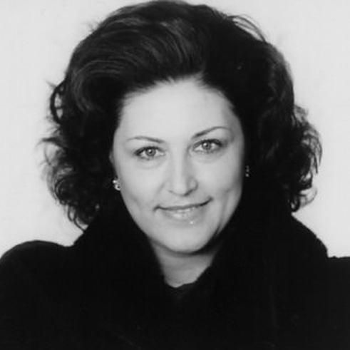 Анна Томова-Синтов